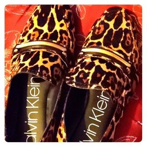 LOAFERS/ SUPER KYUTE